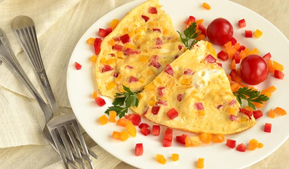 Omlete ar papriku un sieru