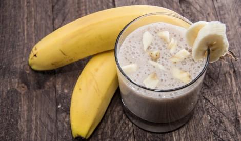 Banānu - piena kokteilis