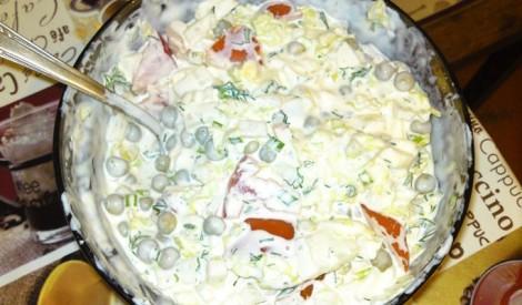 Olu salāti ar dārzeņiem