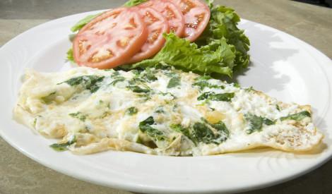Veselīgā omlete ar spinātiem