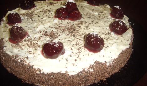 Ķiršu - kakao kūka