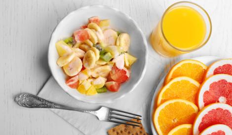 Bagātīgie augļu salāti