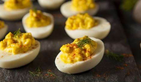 Pildītās sinepju olas