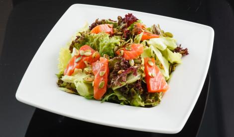 Svaigie laša salāti