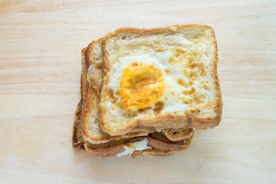 Cep līdz ola kārīgi izcepusies.  Labu apetīti!