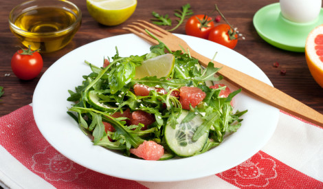 10 noslēpumi, kā parastus salātus pārvērst kulinārijas šedevrā