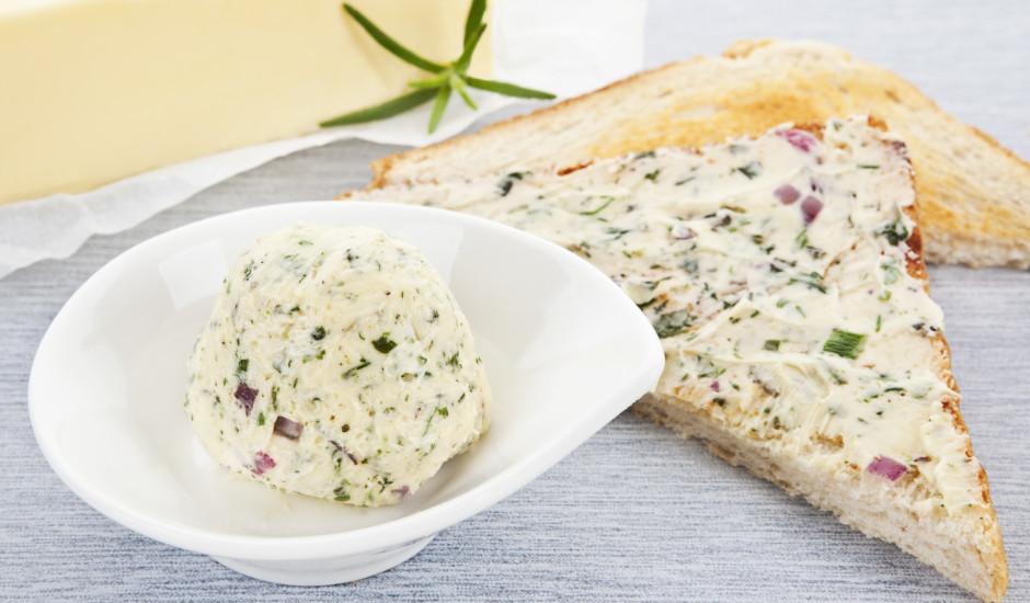 Zaļais sviests ar dillēm, sīpolu un lociņiem
