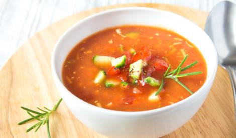 """""""Gaspačo"""" aukstā dārzeņu zupa"""