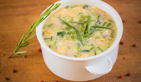 Aukstā kefīra zupa ar kariju