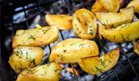 Kartupeļi uz grila