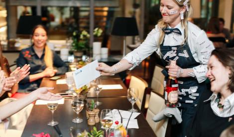 Restorāns Cut apmeklētājiem dod atlaidi par laipnību