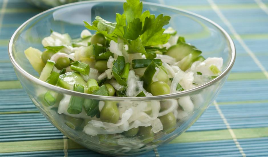 Zaļie kāpostu salāti zaļai dzīvei