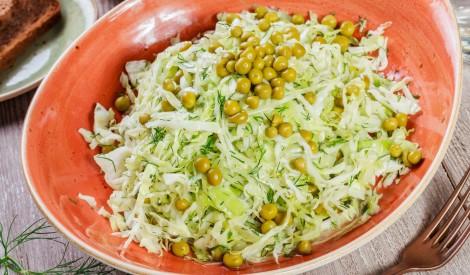 Kāpostu un zirnīšu salāti