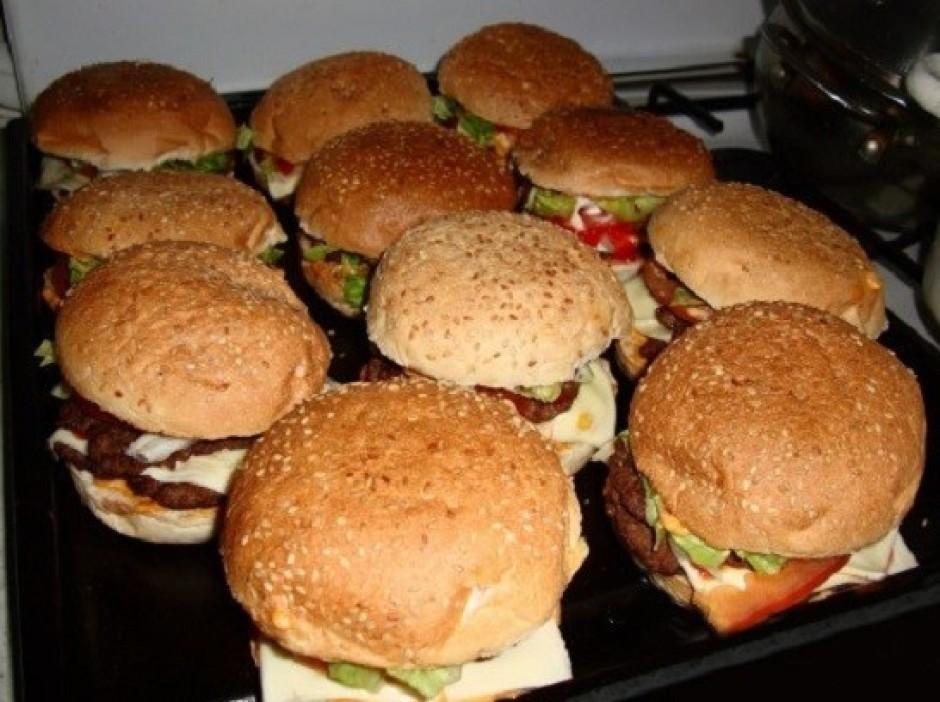 Ja grib, var burgerus uzsildīt pirms pasniegšanas lai būtu s...