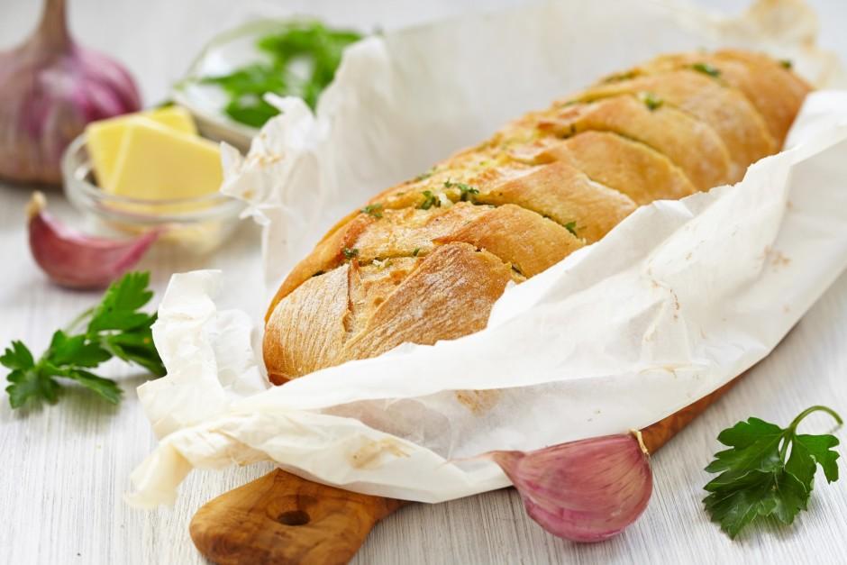 Liek maizīti iepriekš uzkarsētā krāsnī līdz tā apbrūninās....