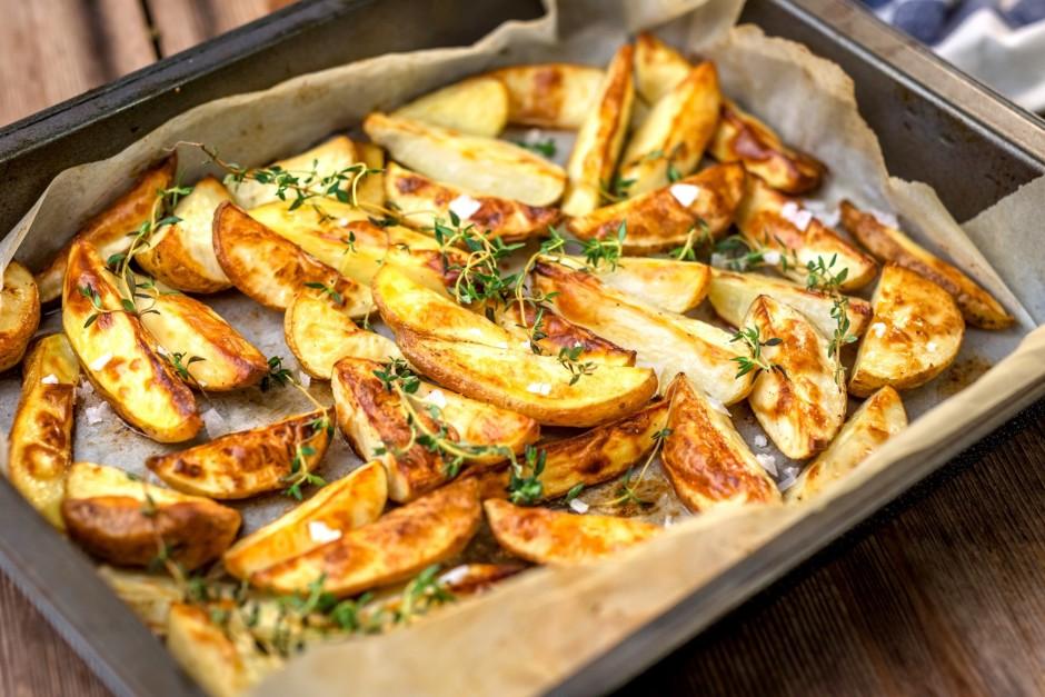 Liek cepties 180*C ~ 50 minūtes, bet tas atkarīgs no kartupe...