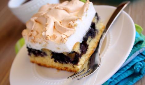 Upeņu torte ar bezē