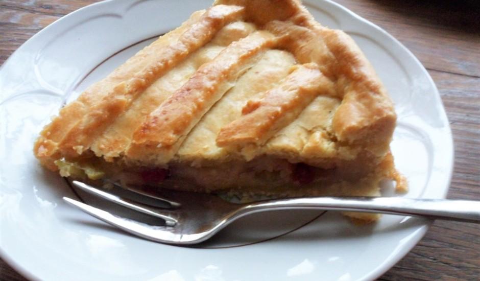 Latviskots ābolu pīrāgs