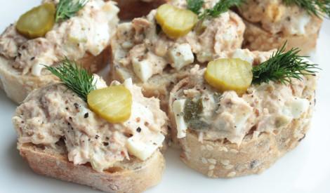 Ātrie tunča salāti