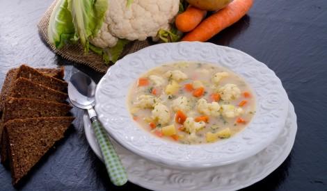 Aromātiskā dārzeņu un siera zupa