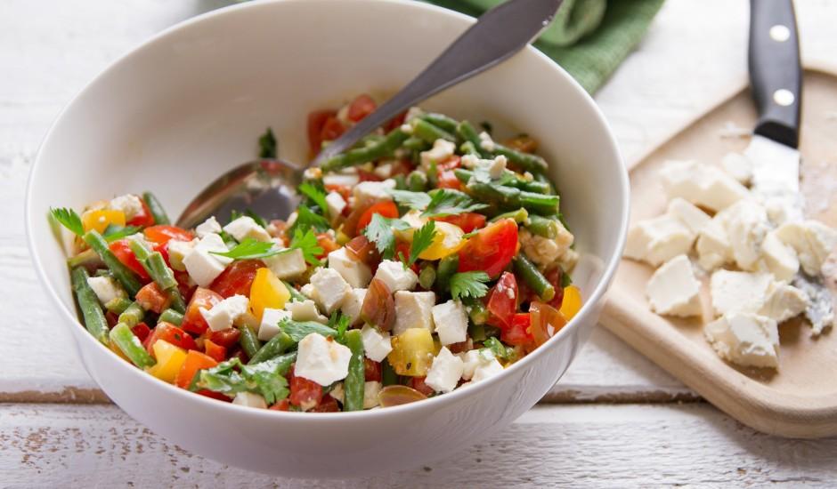 Salāti ar sparģelpupiņām grieķu gaumē