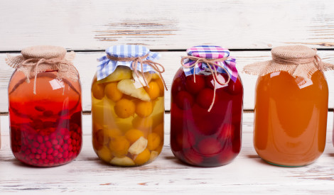 Krāsaini kompoti – 12 daudzveidīgas receptes