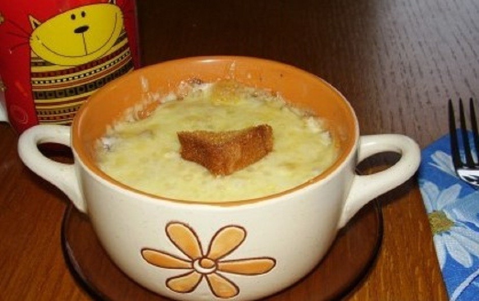 Rezultāts ir sātīgs ēdiens, kas vislabāk piemērots brokastīm...