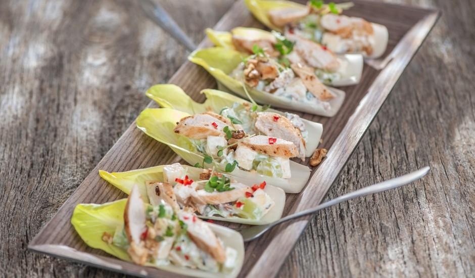 Valdorfa salātu laiviņas