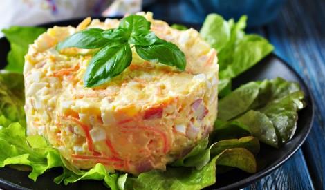 Sātīgie salāti – 18 recepšu izlase