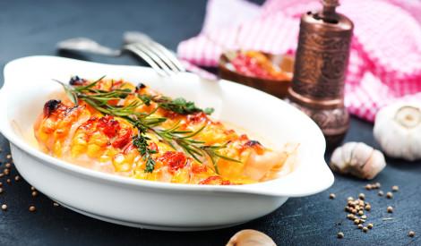 Vistas fileja ar sieru un tomātiem