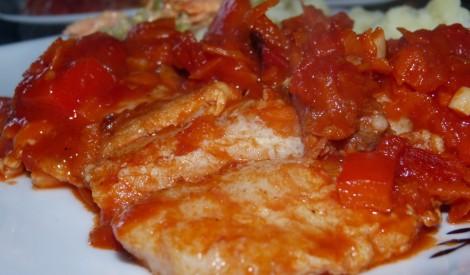 Burkānu - tomātu mērcē cepta pangasijas fileja