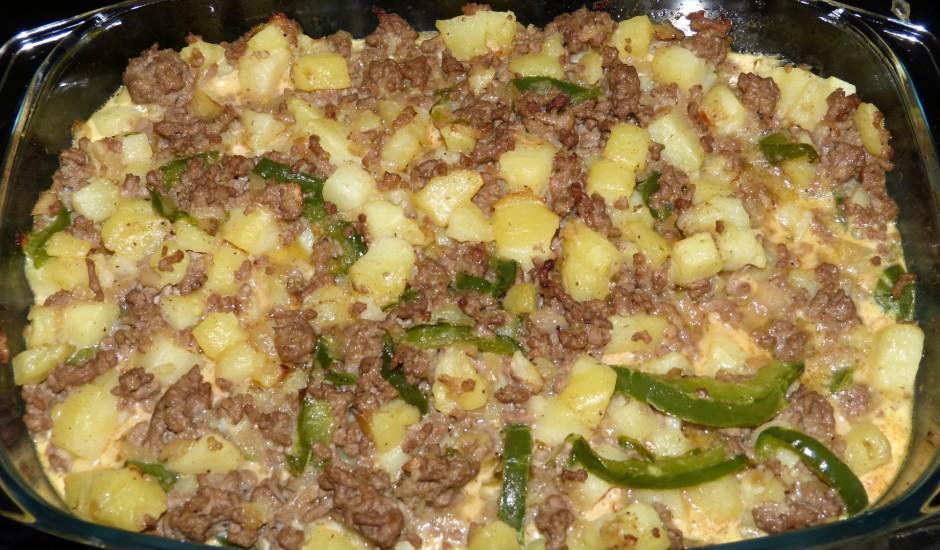 Kartupeļu sacepums ar malto gaļu un olīvām