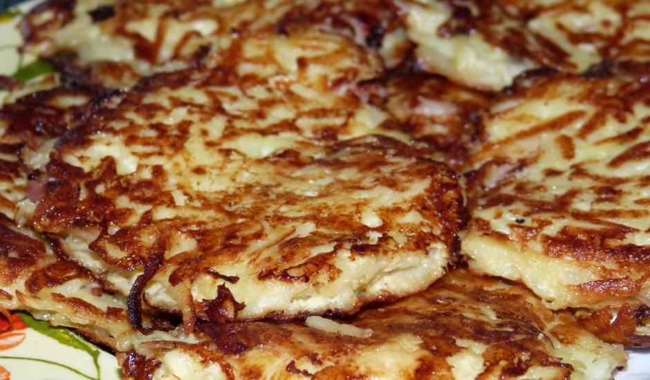 Kartupeļu pankūkas ar žavētu speķi