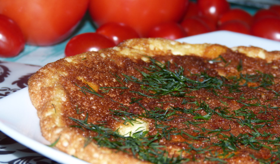 Siera omlete ar zaļumiem