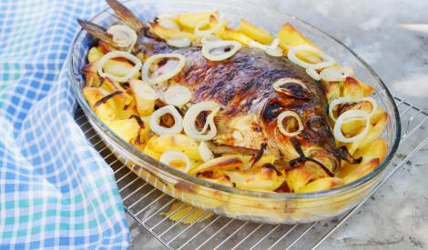Karstā karpa uz kartupeļiem