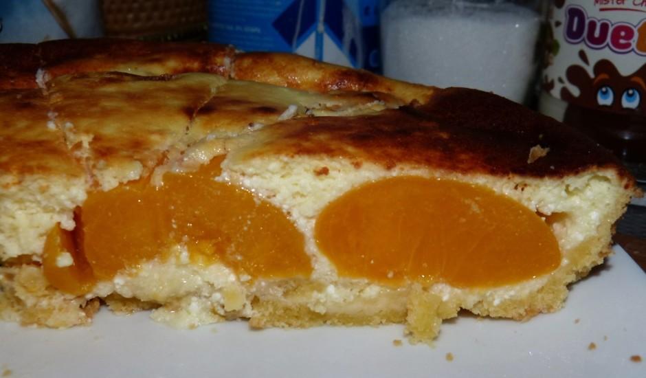 Persiku - biezpiena kūka