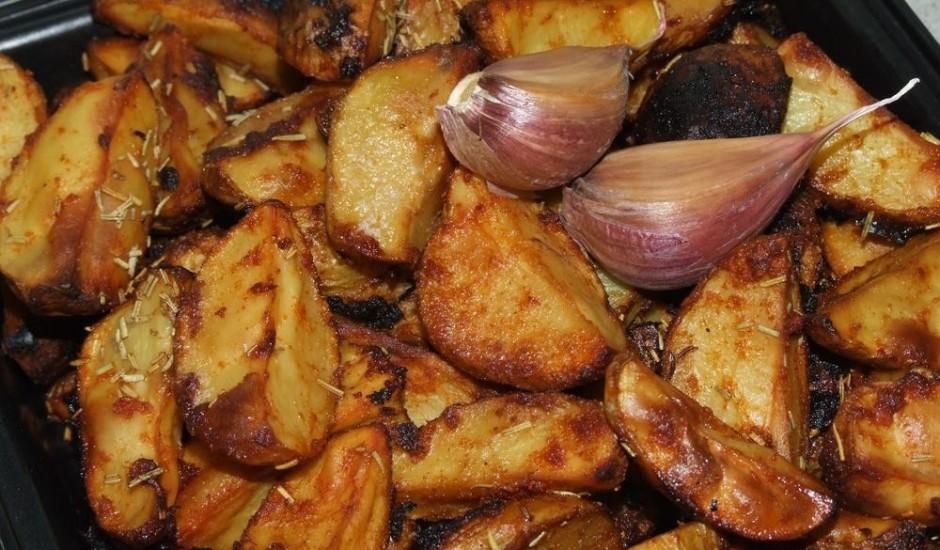 Cepti kartupeļi lauku stilā