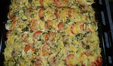 Cukīni un tomātu sacepums ar sieru