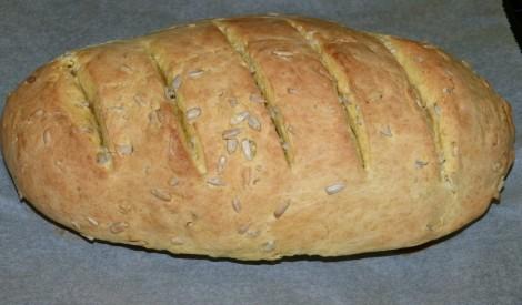 Karija maize ar saulespuķu sēklām