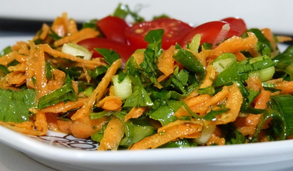 Svaigu zaļumu salāti
