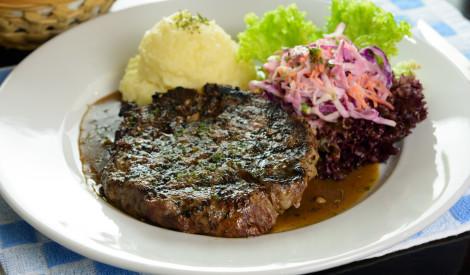 Liellopa gaļa ar rozmarīnu