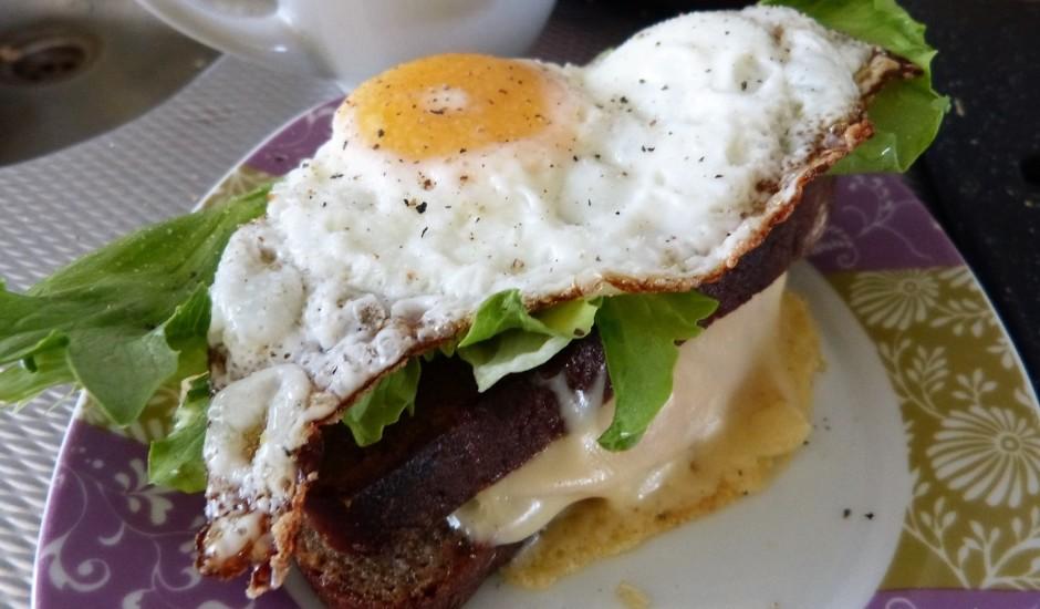 Maize ar vēršaci, kūpinājumu un sieru