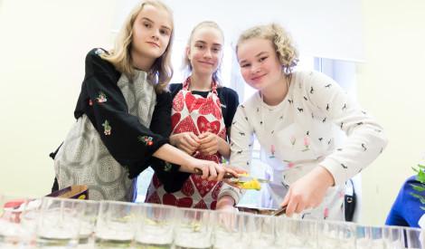Skolēni sacentīsies pavārmākslā Signes Meirānes un Mārtiņa Sirmā pavadībā