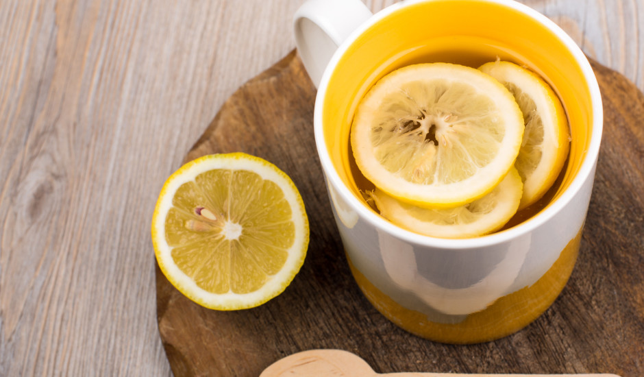 Ziemas citronu un medus dzēriens