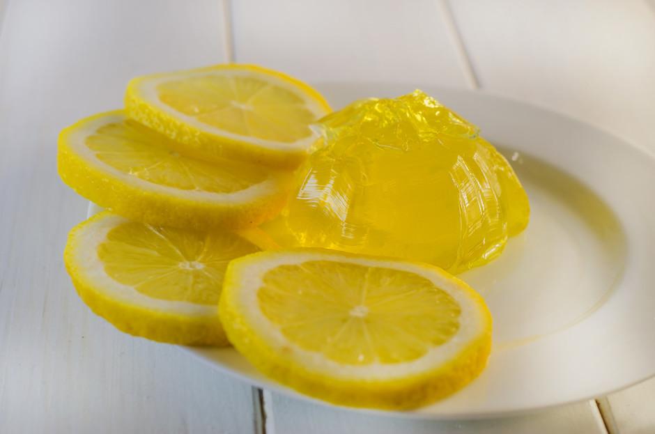Liek ledusskapī atdzist un sastingt.  Lai labi garšo!