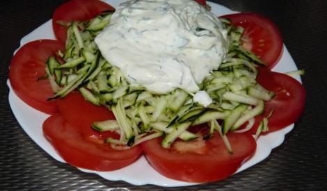 Kabaču salāti ar tomātiem
