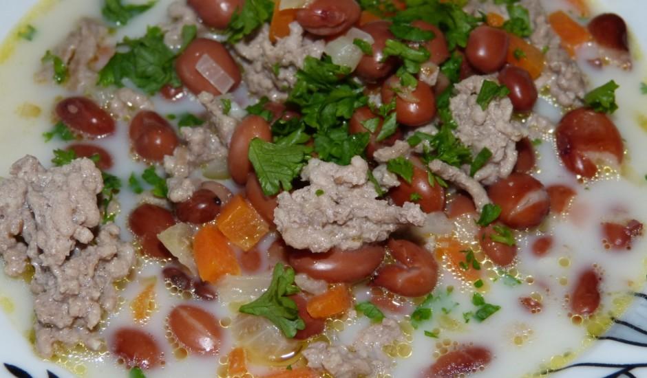 Piena pupiņu zupa ar malto gaļu