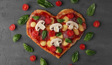 Ko baudīt romantiskās Valentīndienas vakariņās? 12 idejas maltītei!