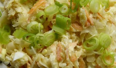 Skābētu kāpostu salāti ar olu
