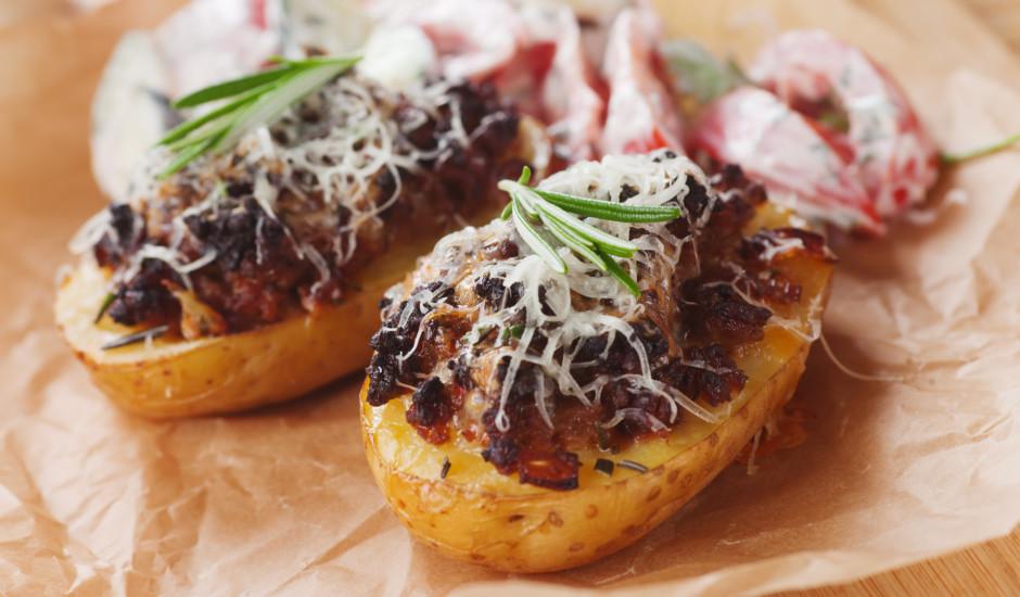 Ar malto gaļu pildītas kartupeļu pusītes